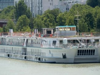 Mozart River Cruise Ship Tracker – Crystal Cruises Mozart